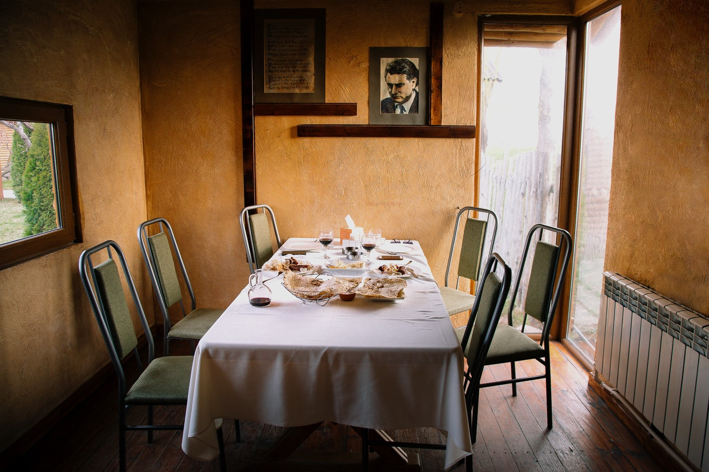 Editorial & Commercial Restaurant Photographer